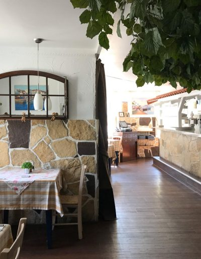 front-restaurant
